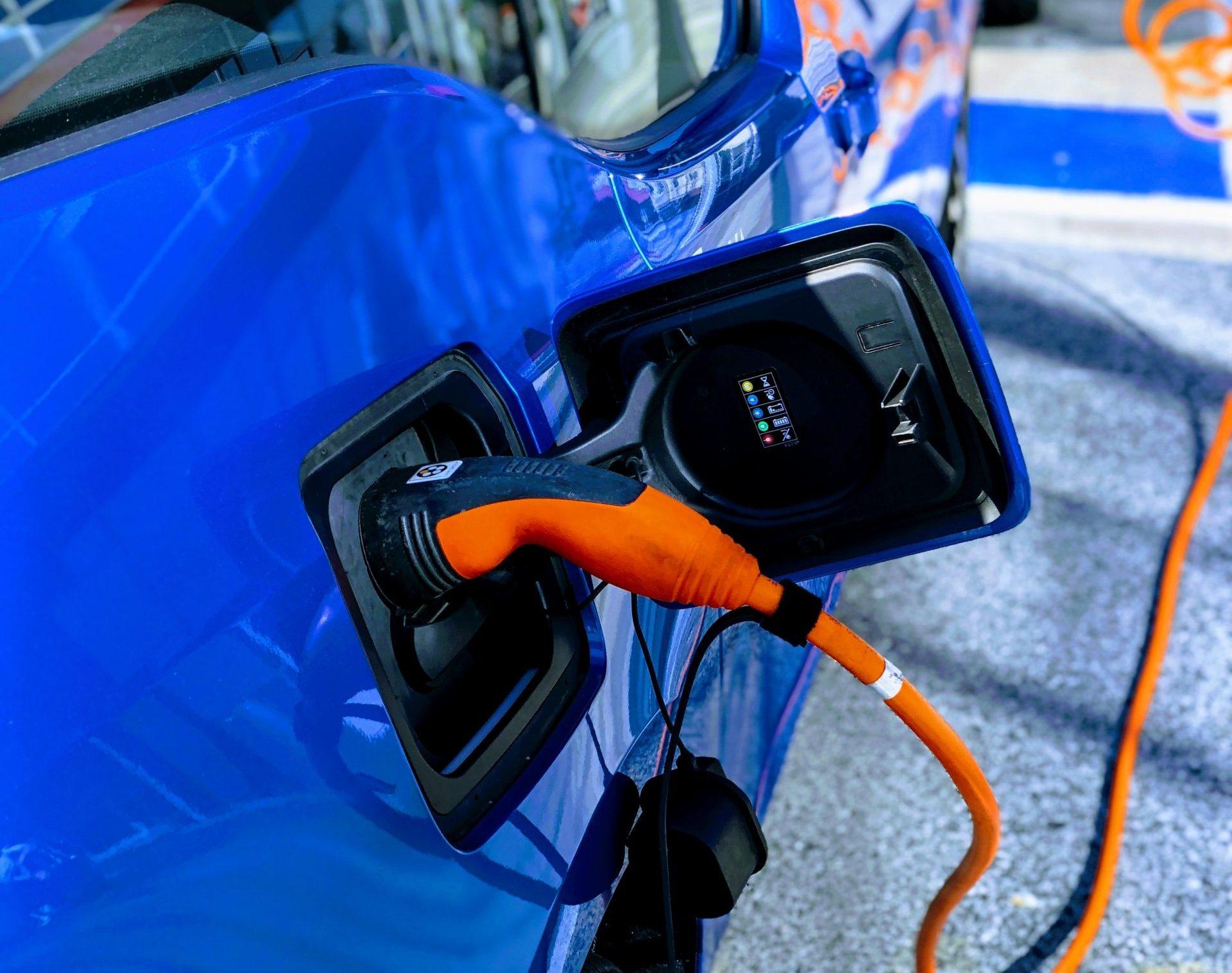 Smart demand vehicle charging solution
