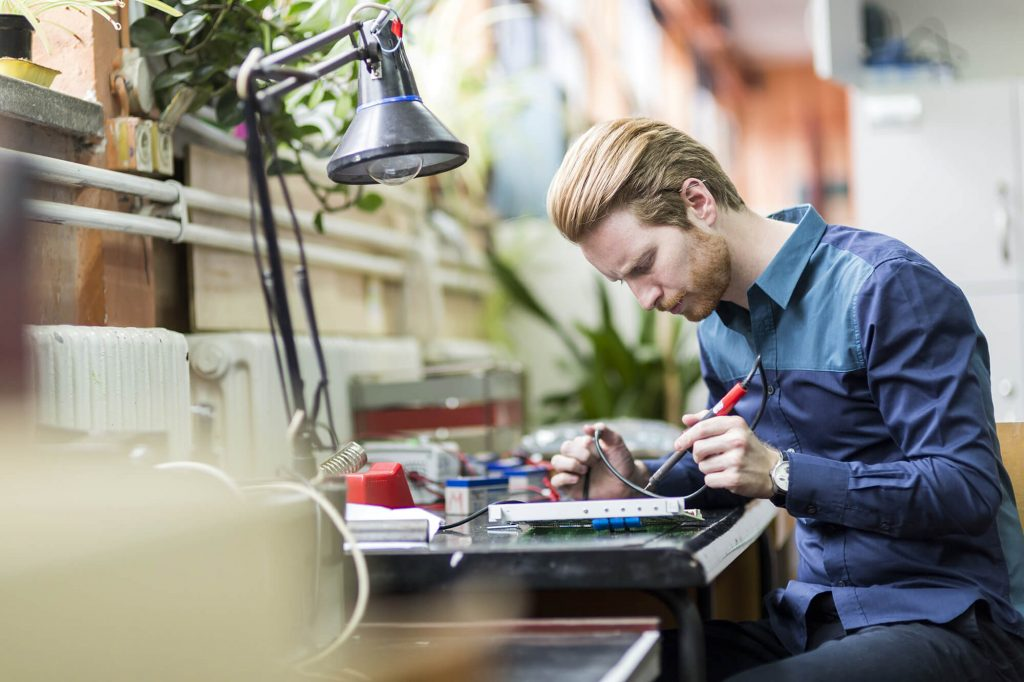 Read more about Graduate Electronic Engineer